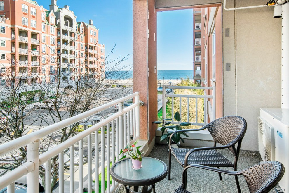 3 Condo in Brighton Beach