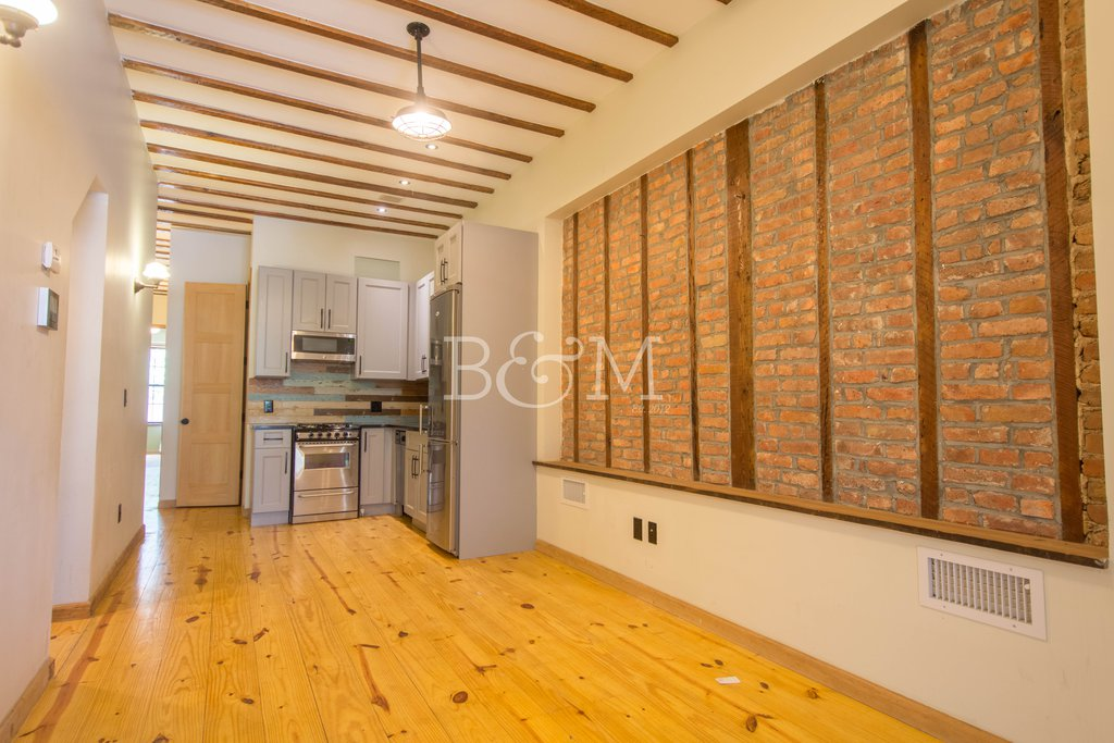 4 Apartment in Bushwick