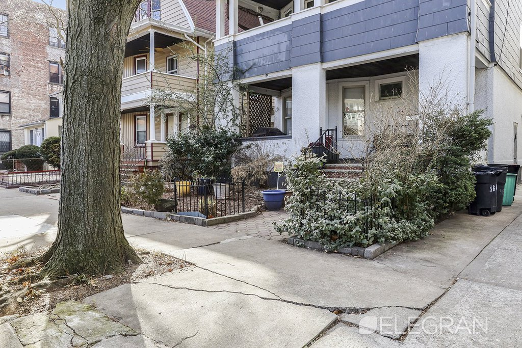 7 Townhouse in Ditmas Park