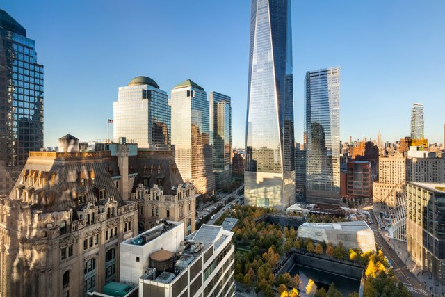 8 Condo in Financial District