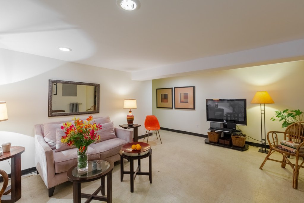 2 Apartment in Soundview