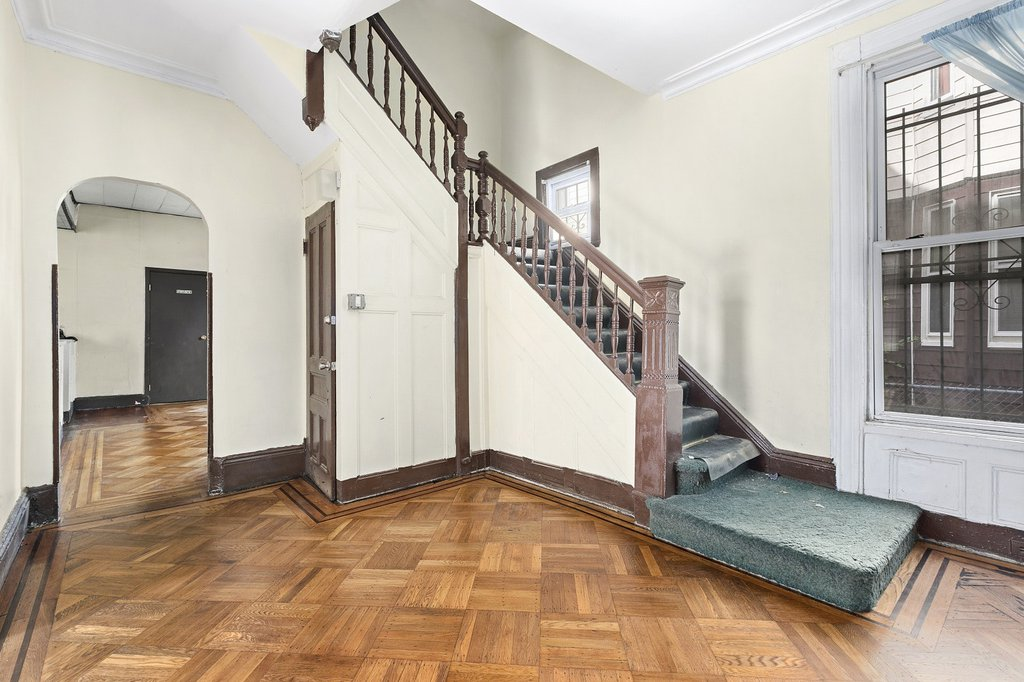 5 Townhouse in Prospect Lefferts Gardens