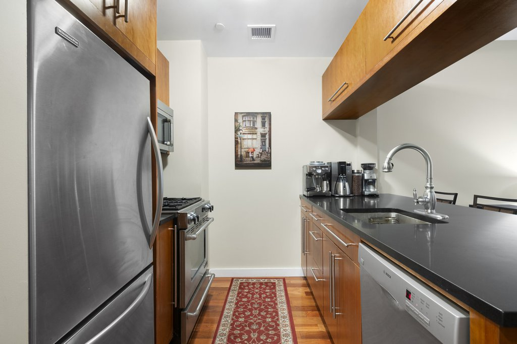 1 Condo in Long Island City
