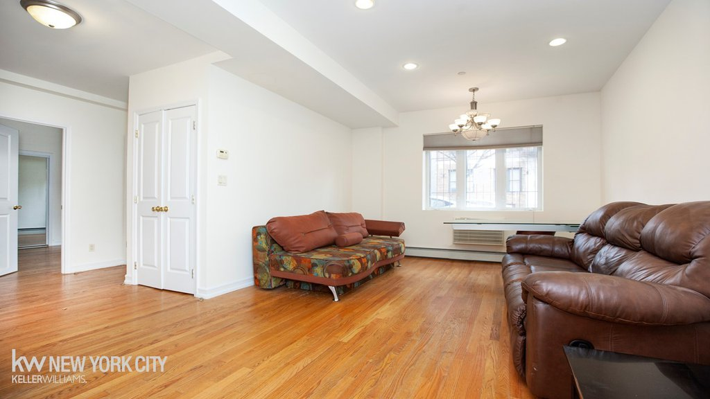 1 Condo in Midwood