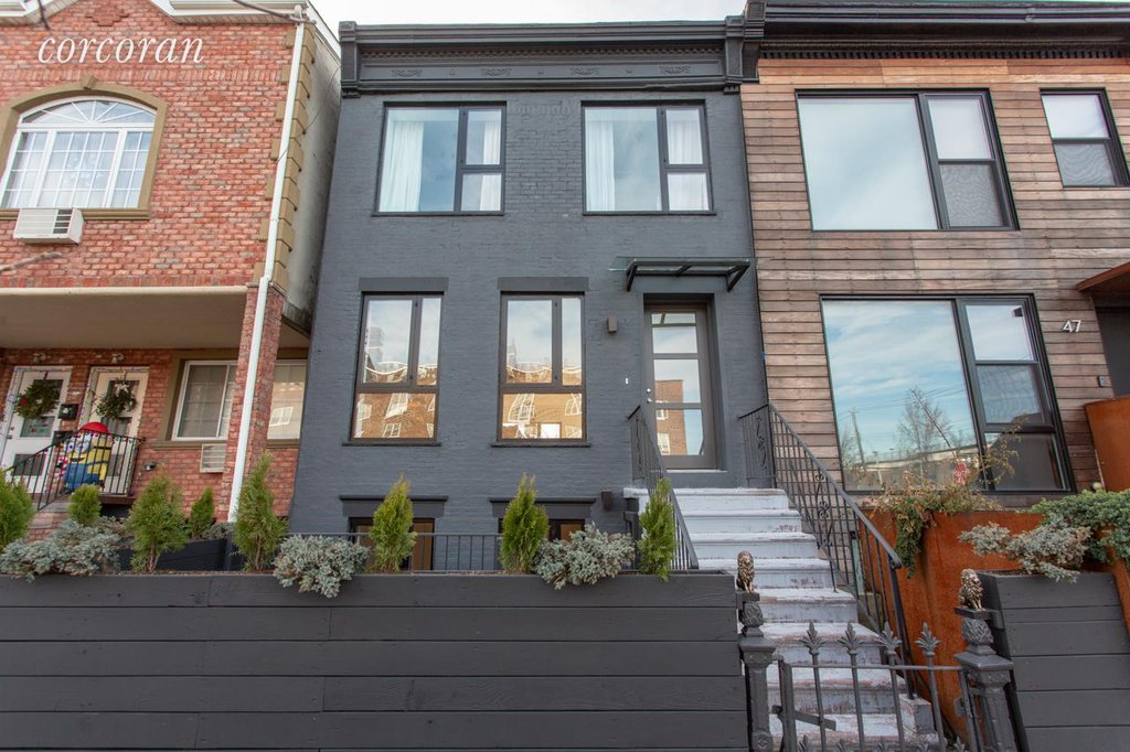 Studio Townhouse in Red Hook