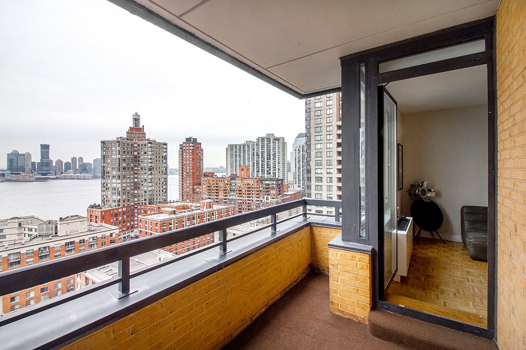 NYC Condos Battery Park City 1 Bedroom Condo For Rent 99 BATTERY PLACE 19E