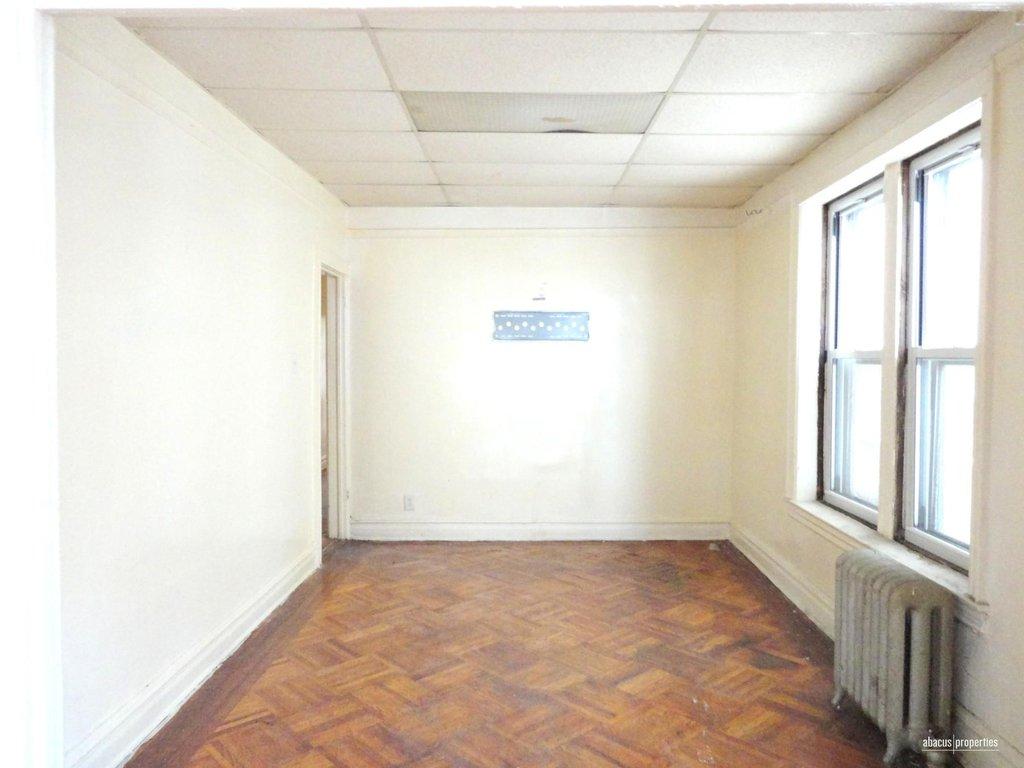 4 Apartment in Borough Park