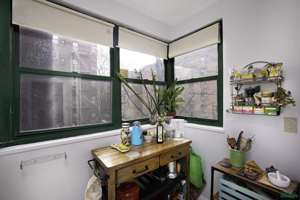 1 Coop in Jackson Heights
