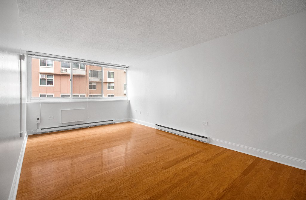 Studio Apartment in Roosevelt Island