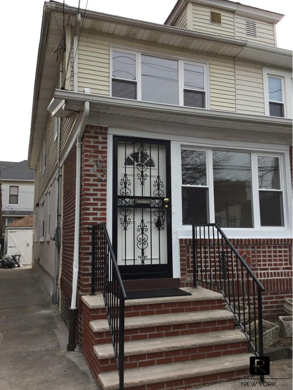 3 Townhouse in Midwood