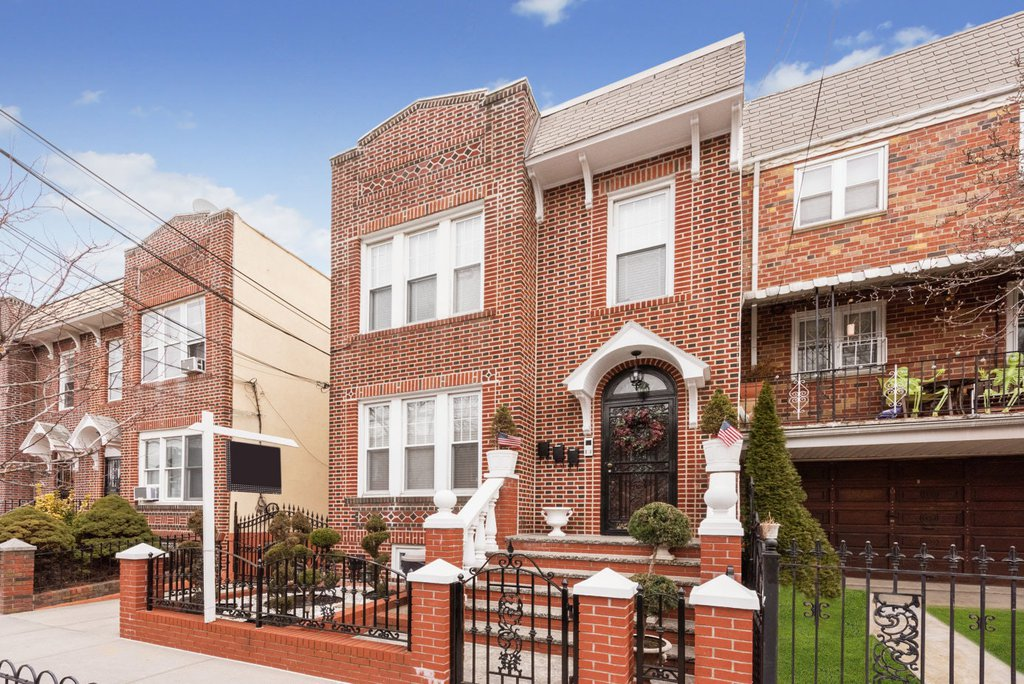 5 Townhouse in Astoria
