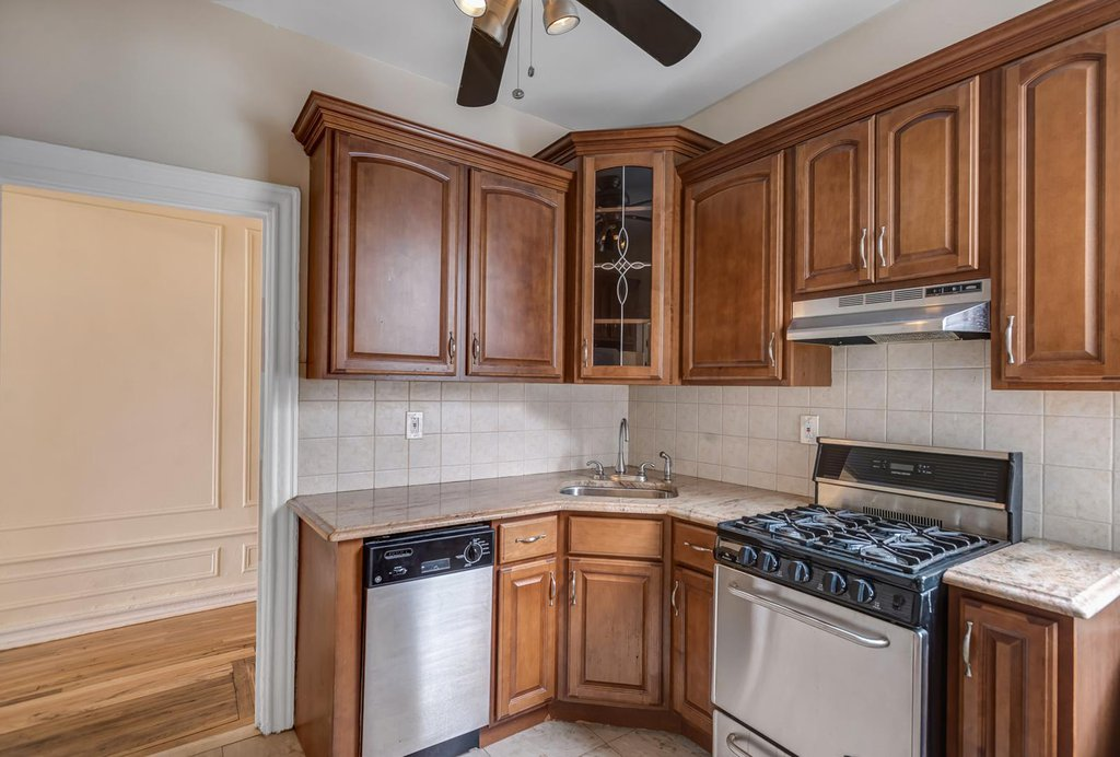 2 Coop in Windsor Terrace