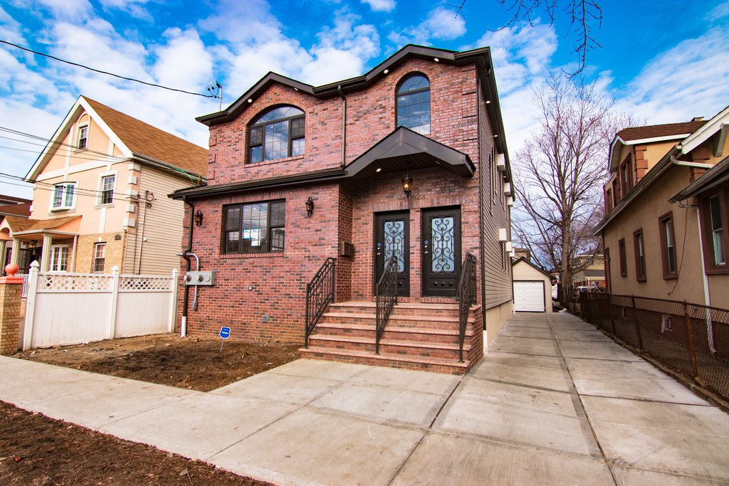 6 Townhouse in South Ozone Park