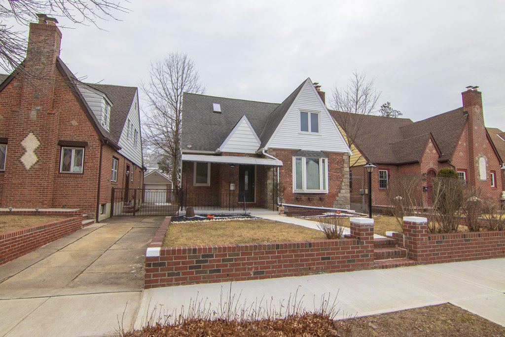 5 Townhouse in Cambria Heights