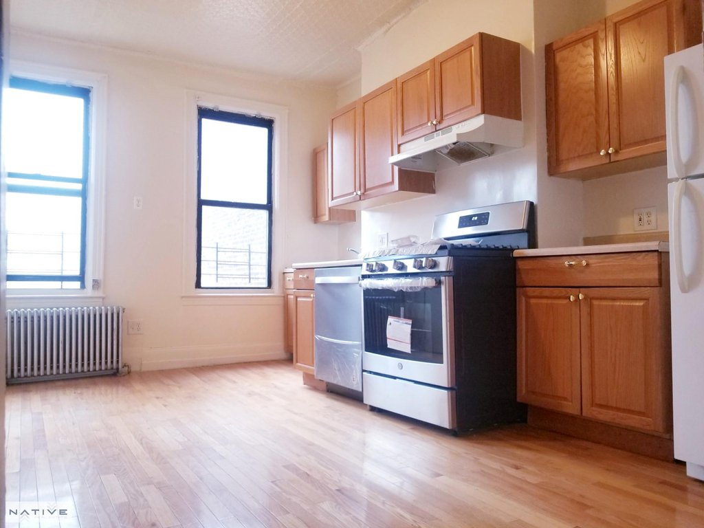 1 Apartment in Greenwood