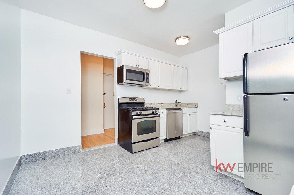 1 Coop in Windsor Terrace