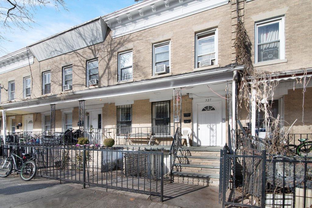 6 Apartment in Kensington