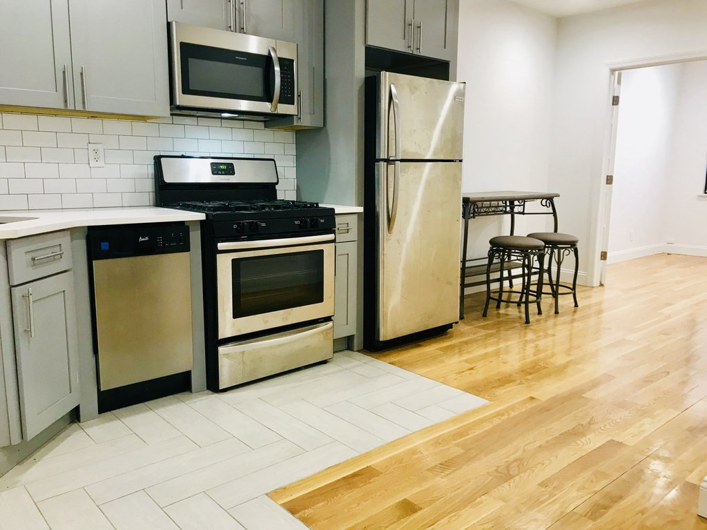 3 Apartment in Ridgewood