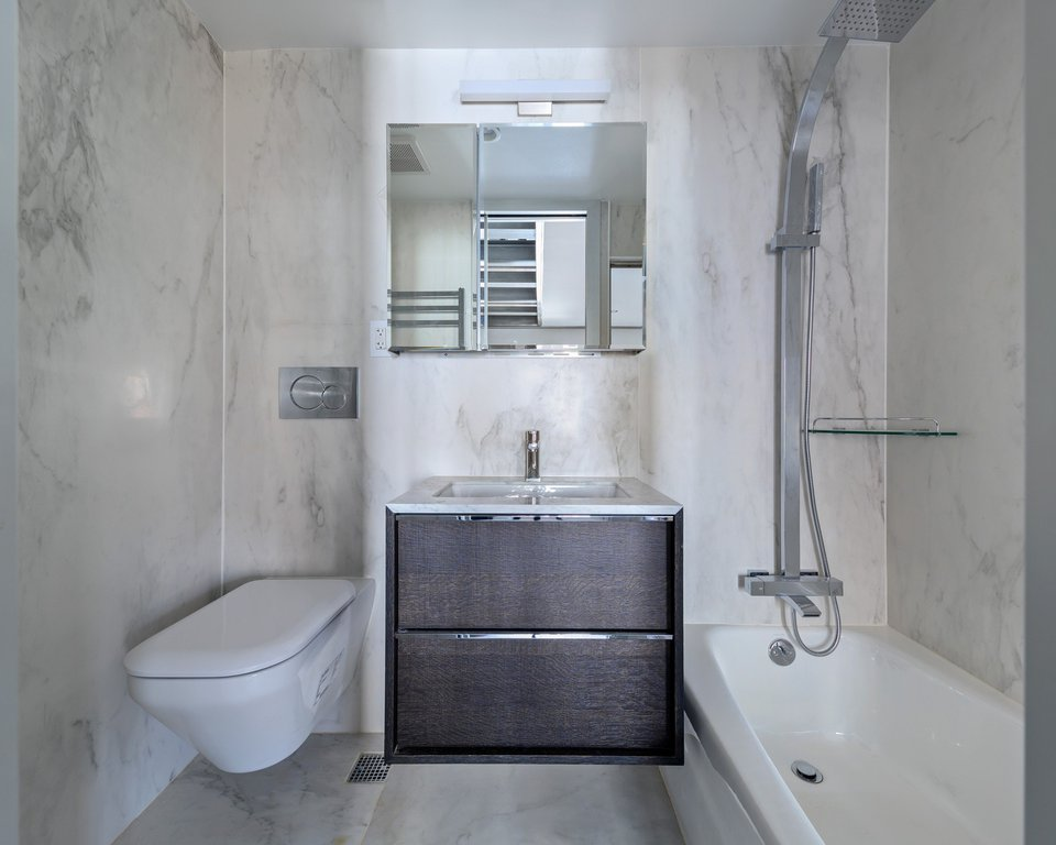 35 Perry Street, #4FLR, New York, NY 10014 | New York Coops