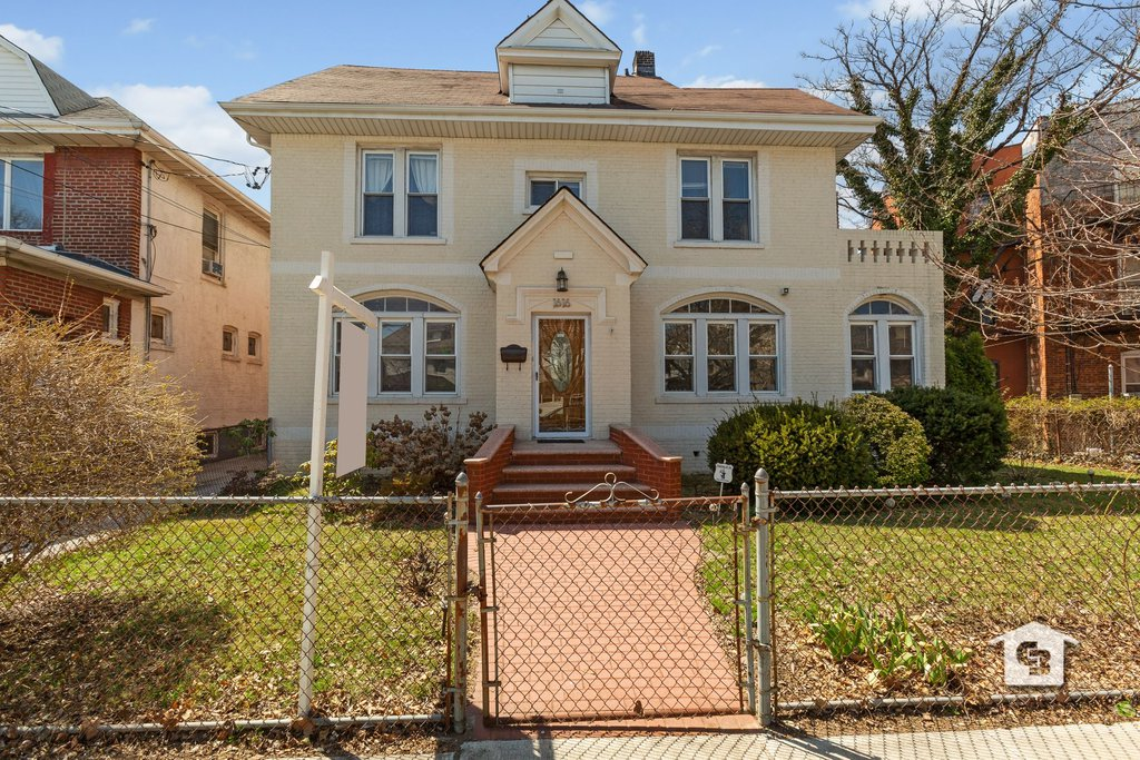 4 Townhouse in Sheepshead Bay