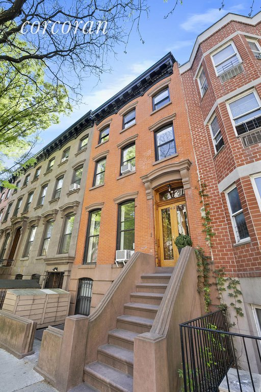 Studio Townhouse in Fort Greene