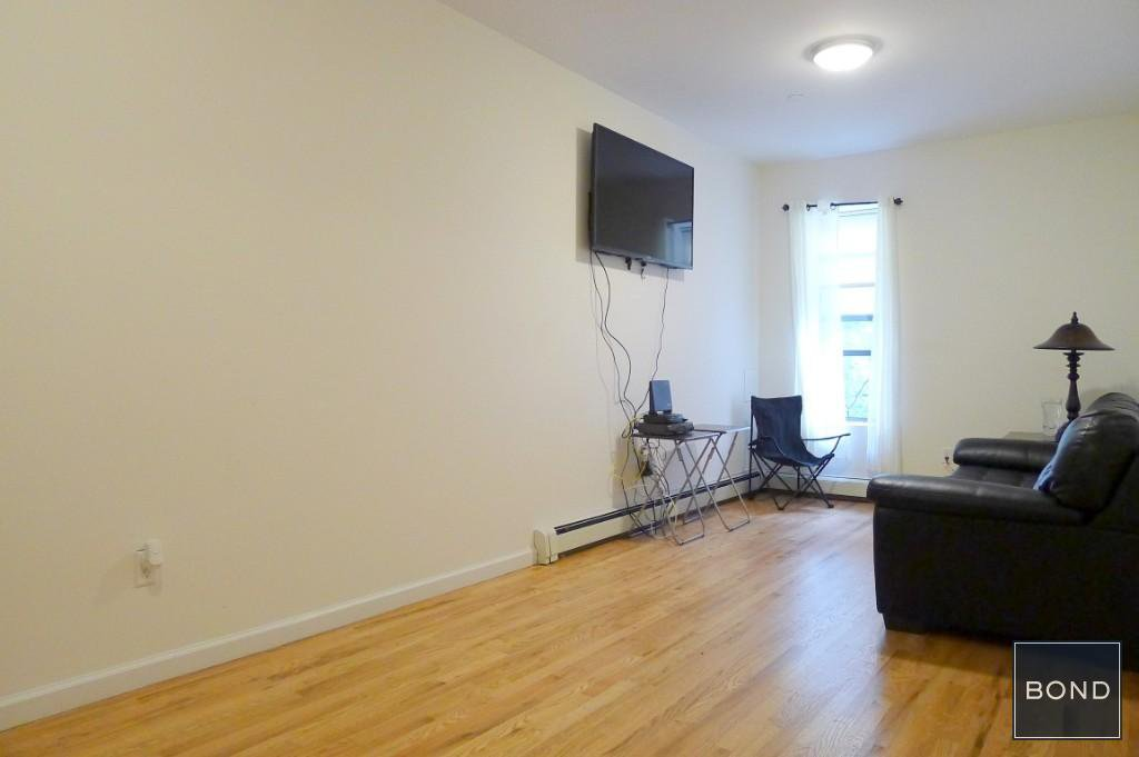 1 Townhouse in Tremont
