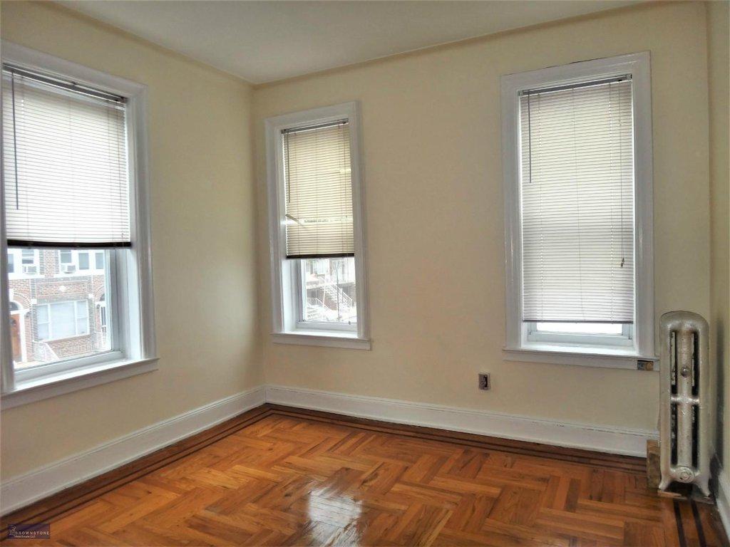 2 Apartment in Bensonhurst