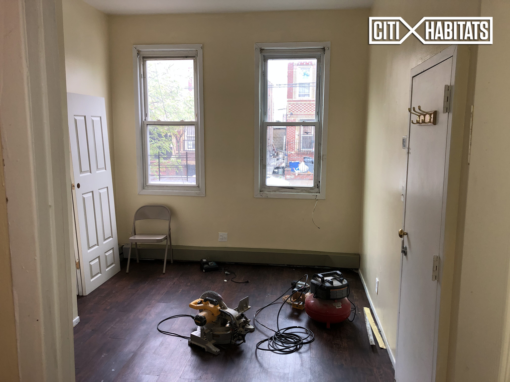 Nyc Apartments East New York 2 Bedrooms Apartment For Rent 125 Vermont Street 1r