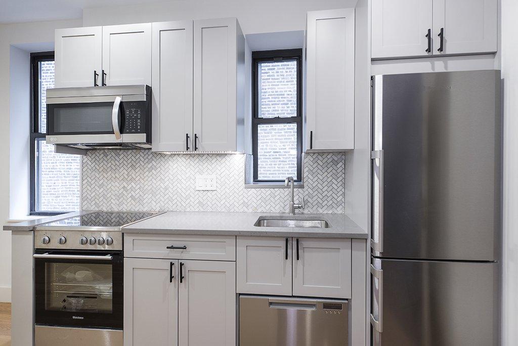 244 East 46th Street 2d New York Ny 10017 New York Apartments