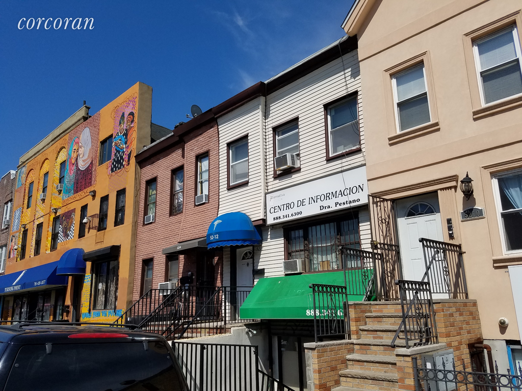 Studio Townhouse in Sunset Park