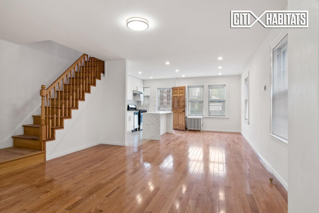 3 Townhouse In Forest Hills