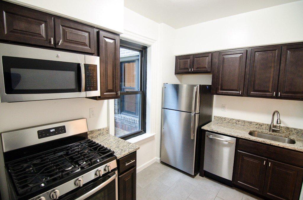 1 Apartment in East Elmhurst