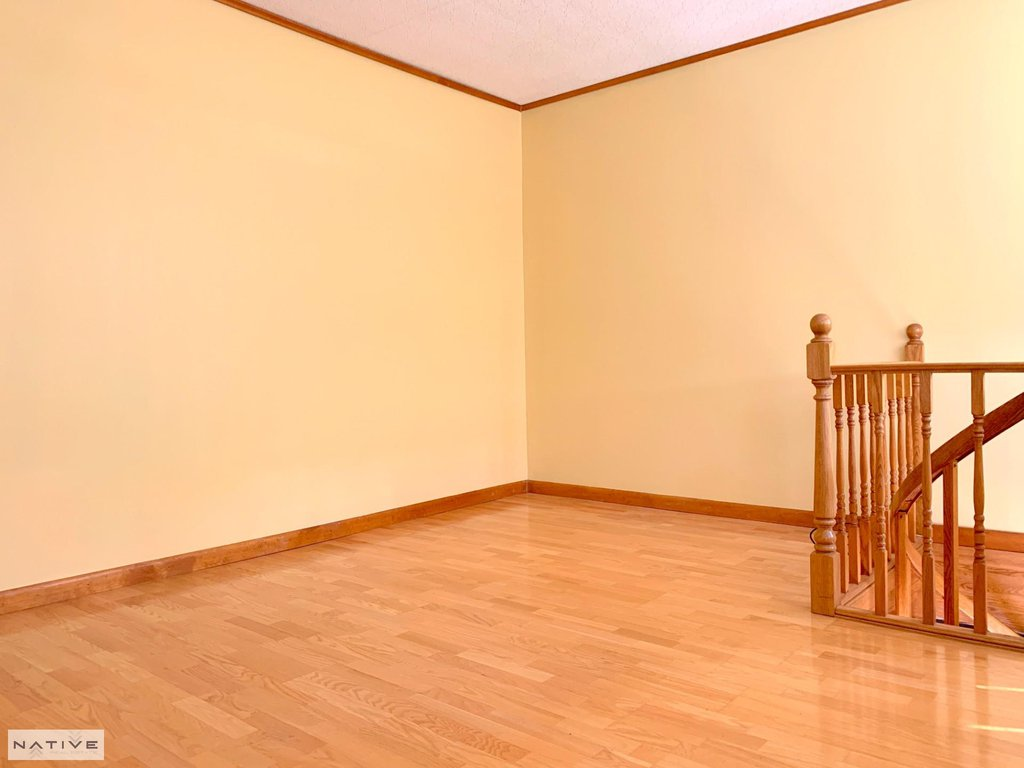 3 Apartment in Elmhurst