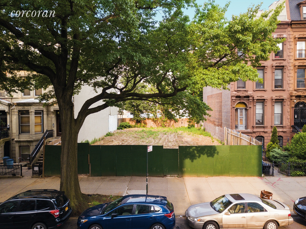 Studio Townhouse in Prospect Heights