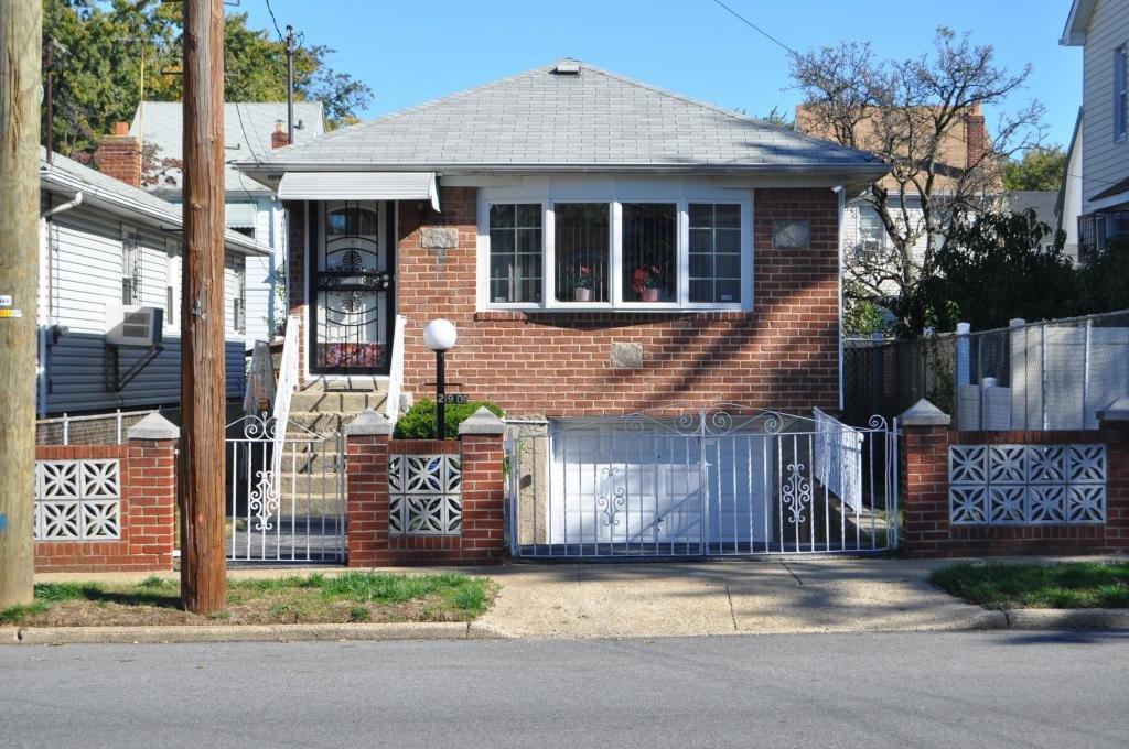 5 Townhouse in Laurelton