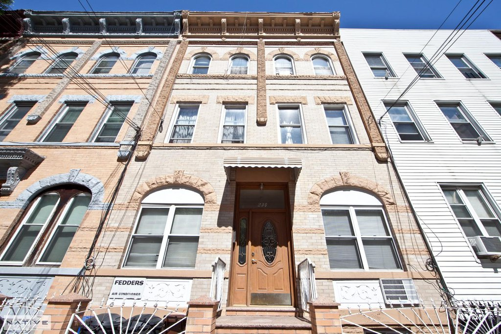 1 Townhouse in Greenpoint