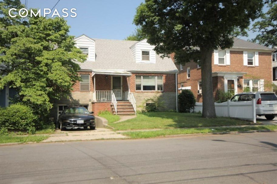 4 Townhouse in Flushing