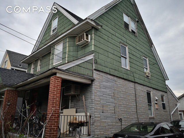 6 Townhouse in Flushing