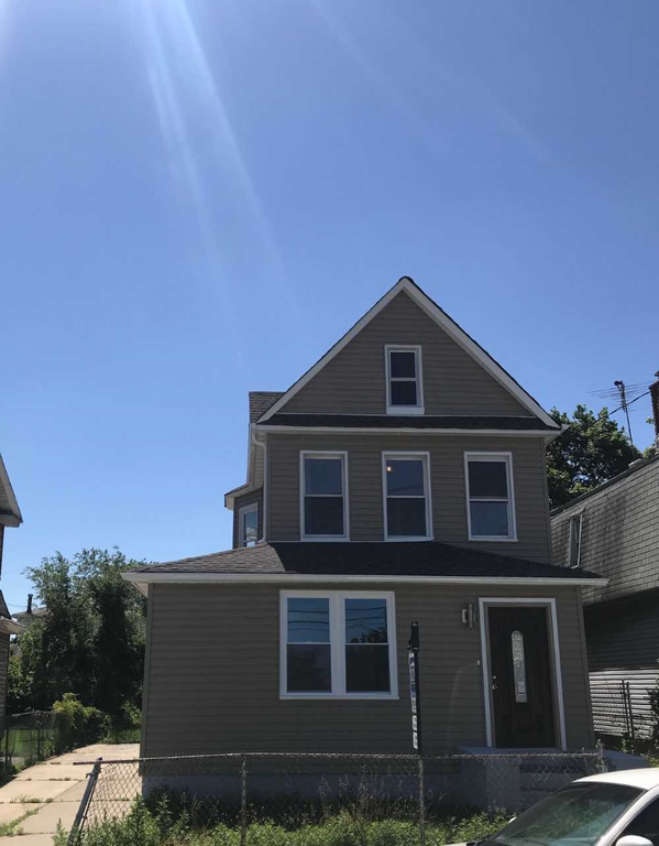 3 Townhouse in Springfield Gardens