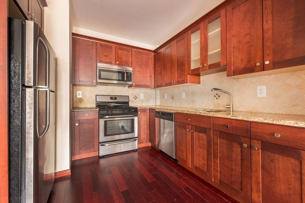 2 Apartment in Brighton Beach