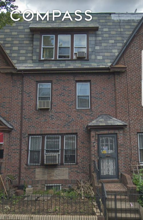 4 Townhouse in Jackson Heights