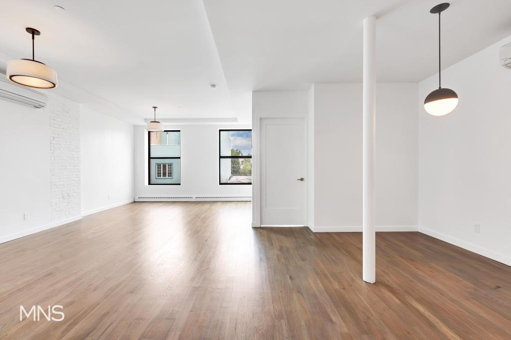4 Apartment in Greenpoint