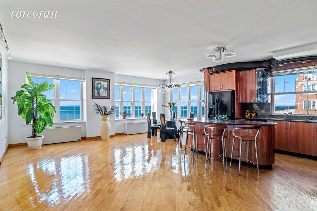 4 Condo in Brighton Beach