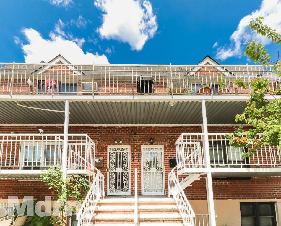 6 Townhouse in Astoria
