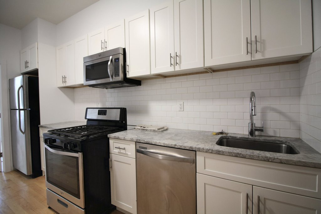 2 Apartment in Ridgewood