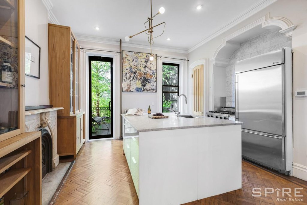 4 Condo in Crown Heights