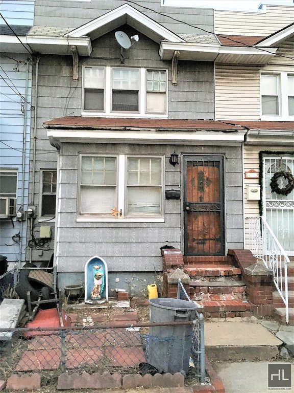 3 Townhouse in Woodhaven