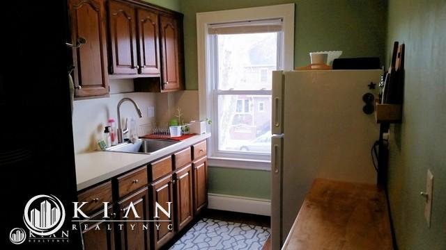 1 Apartment in Middle Village