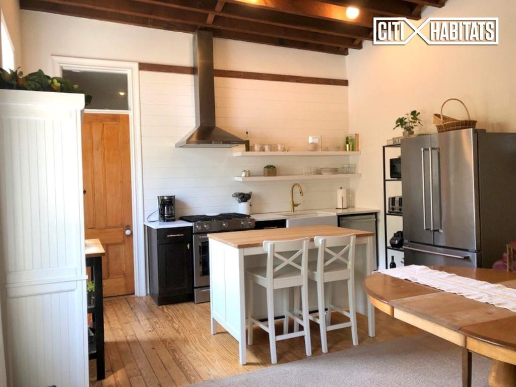 3 Apartment in Greenwood