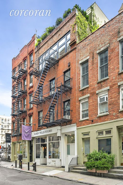 5 Townhouse in Little Italy